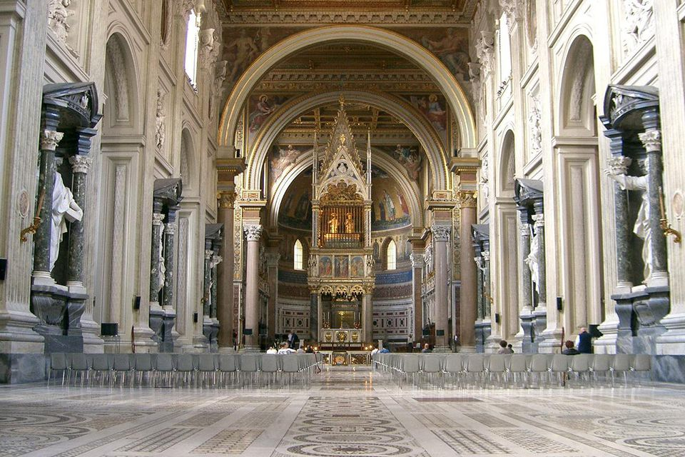 Inside Basilica di San Giovanni in Laterano