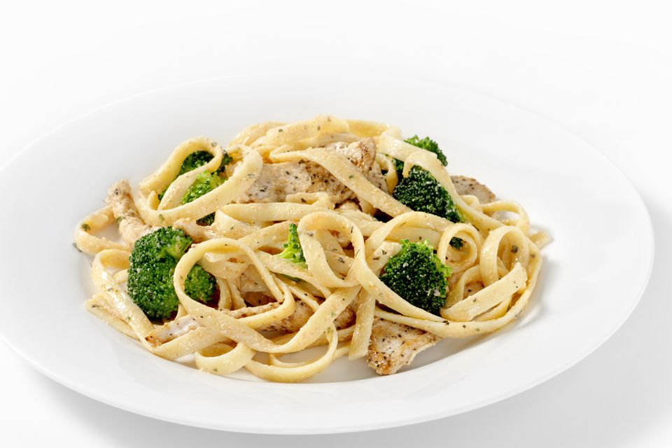 broccoli and chicken with pasta