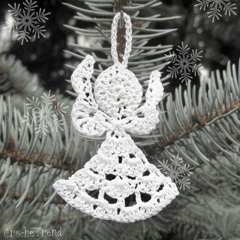 10 Cute FREE Christmas Ornament Crochet Patterns
