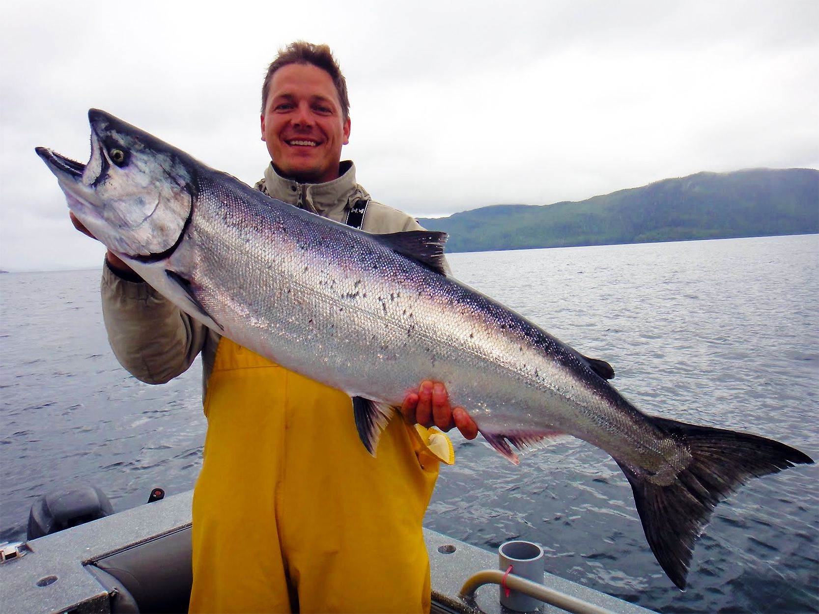 How to quickly rig a ballyhoo bait fish for Salmon fishing alaska