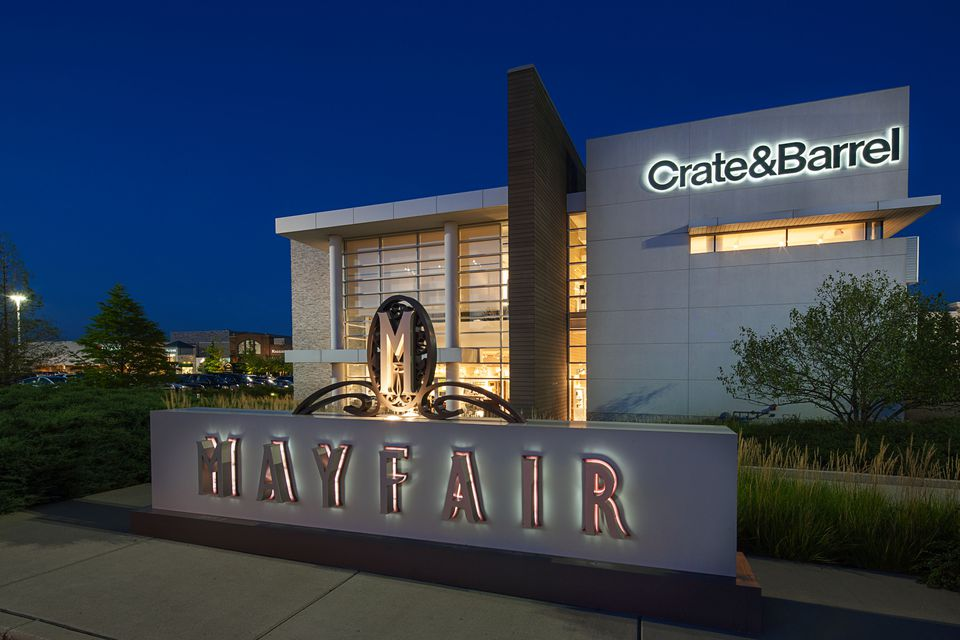 Places To Dine And Shop At Milwaukee S Mayfair Mall