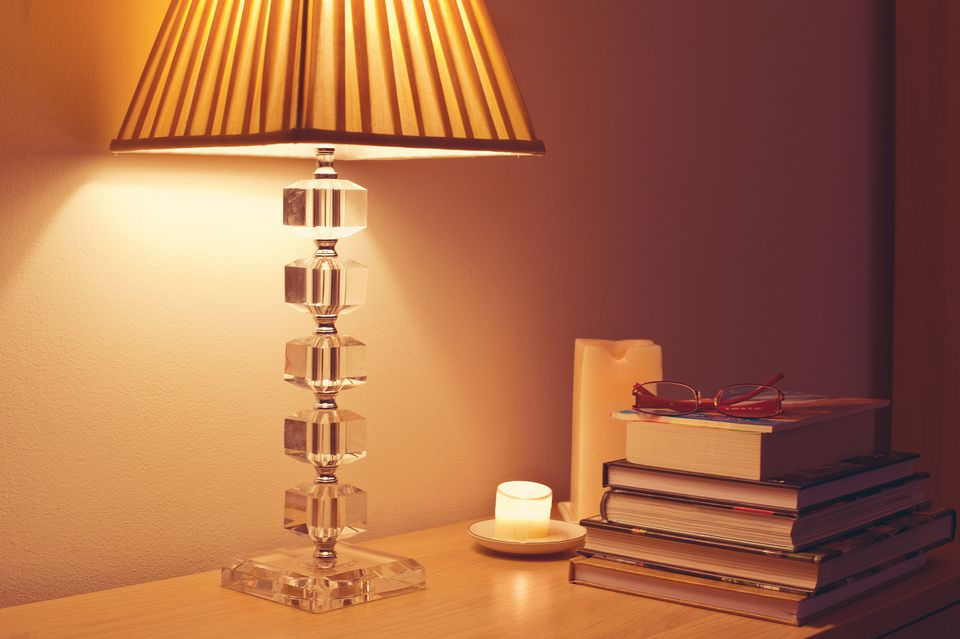 Lamp shade for a table lamp