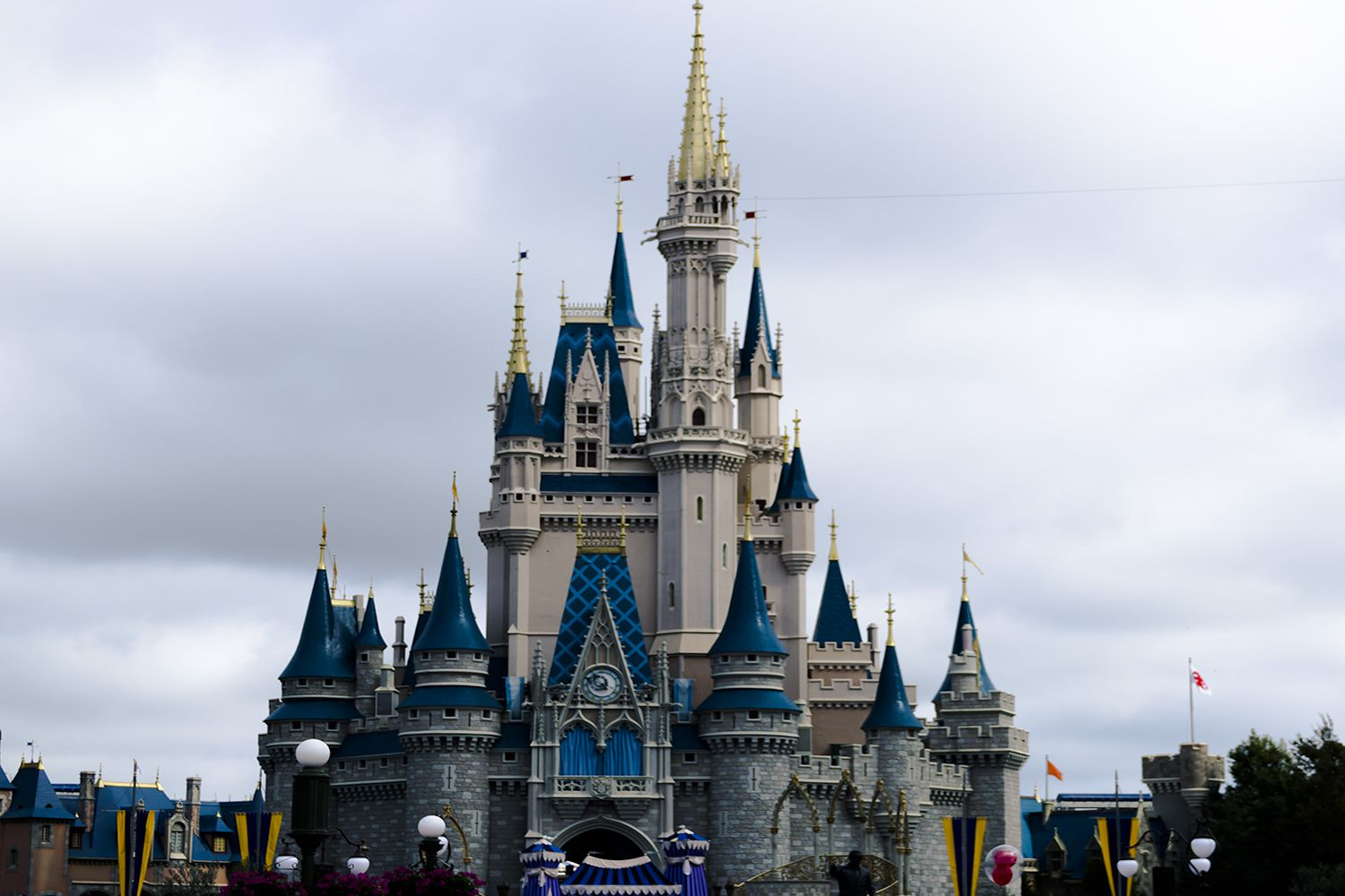Disney Jobs - How To Work In The Happiest Place On Earth-9881