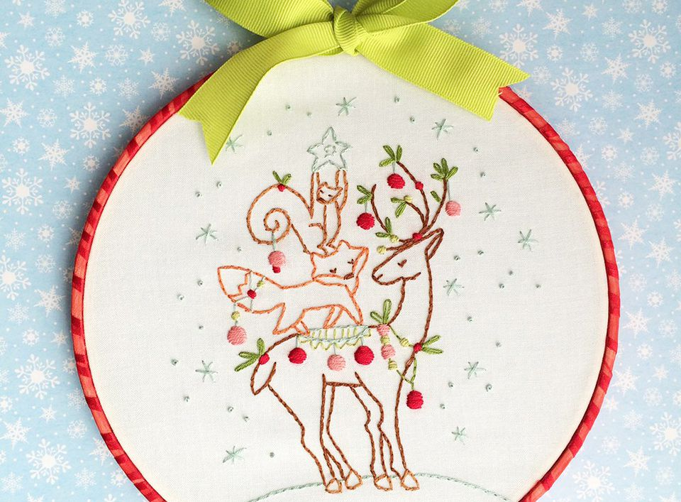 Free christmas hand embroidery patterns