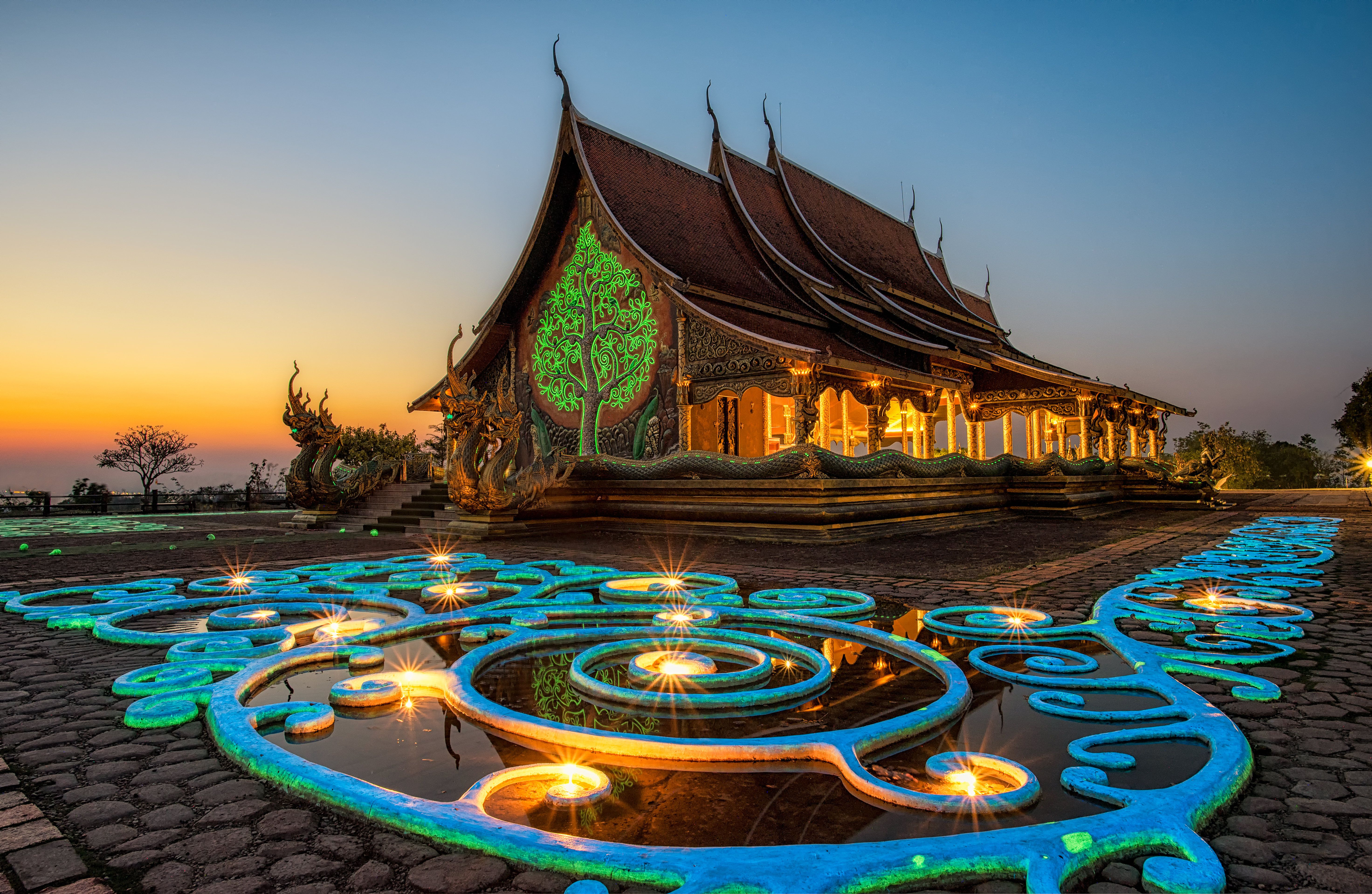 How to say hello in thai the wai thailand temple etiquette kristyandbryce Images