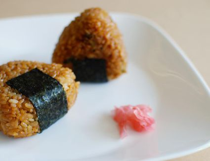 Onigiri or japanese rice balls recipe 7 easy japanese dishes you can make at home forumfinder Gallery