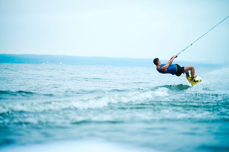 Man Wakesurfing