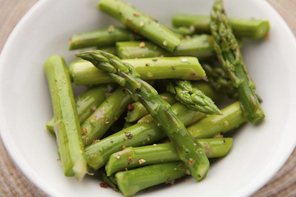 Cut asparagus and seasonings