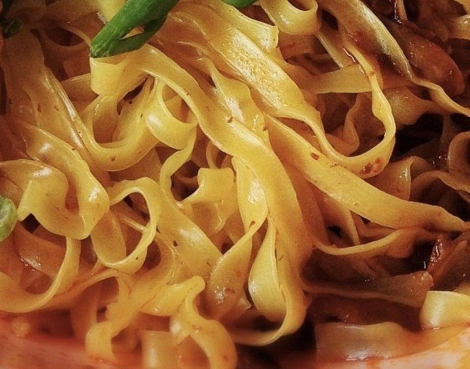 Vegetarian Singapore egg noodles