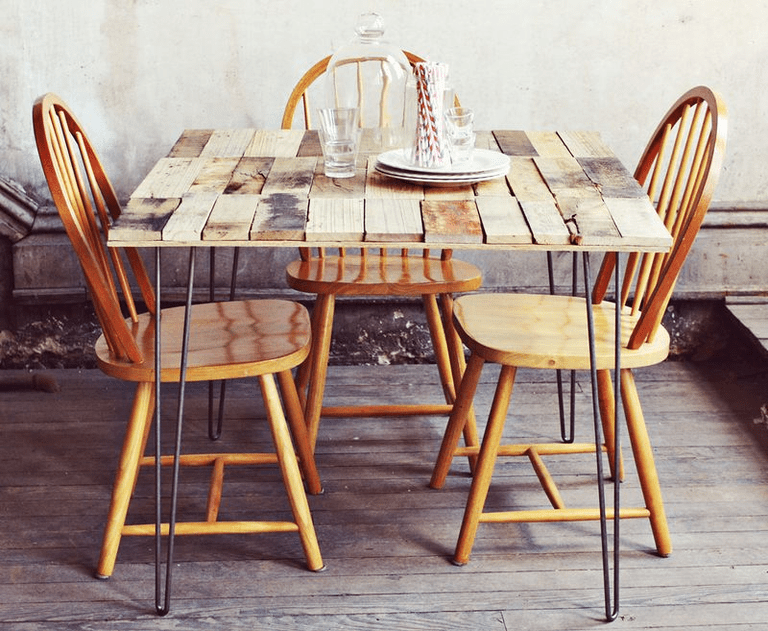 Free Pallet Dining Roob Table Plan at A Beautiful Mess. 12 Free Dining Room Table Plans for Your Home