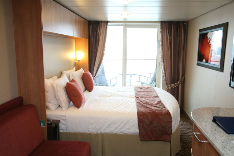 Celebrity Silhouette Cabin 1647 Pictures and Deck Location