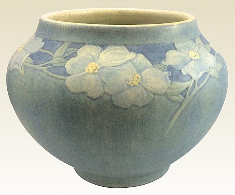 Newcomb pottery vase by artist Cynthia Pugh Littlejohn (1890-1959), c. 1915.