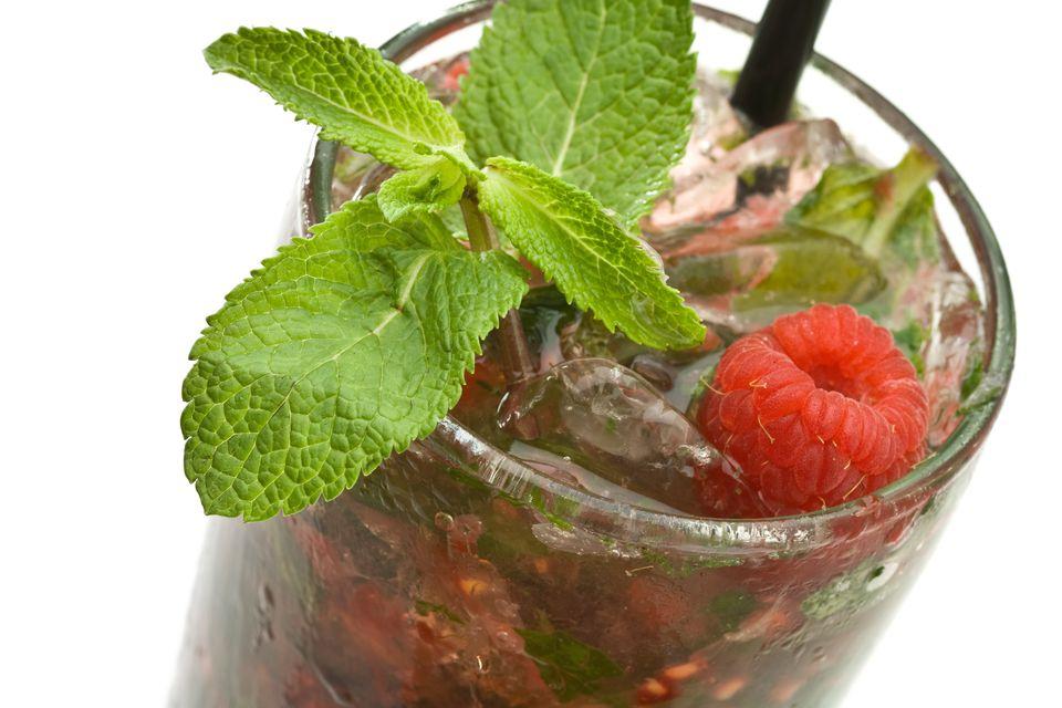 Fresh Raspberry Mojito Cocktail