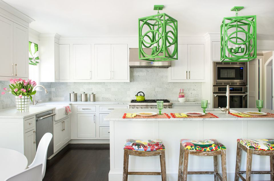 green accents in white kitchen