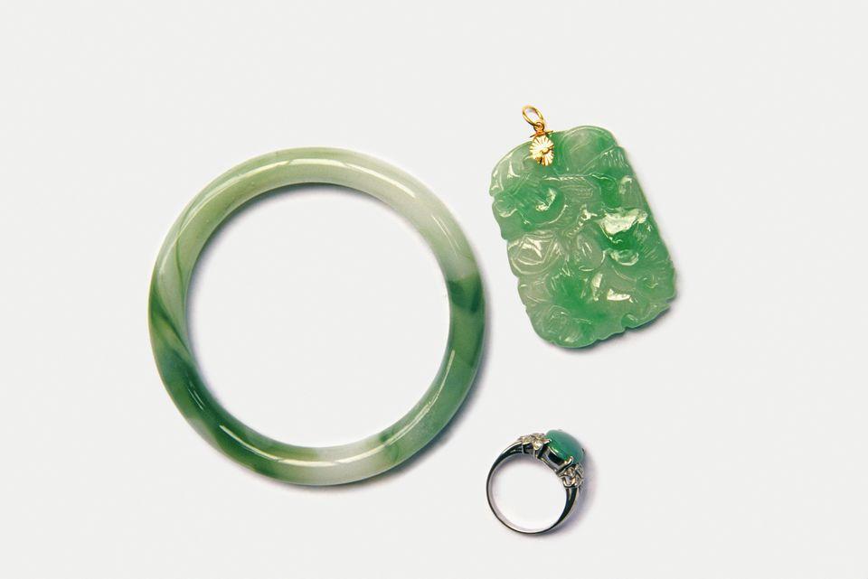 Identifying Jade Jewelry: Jade Facts
