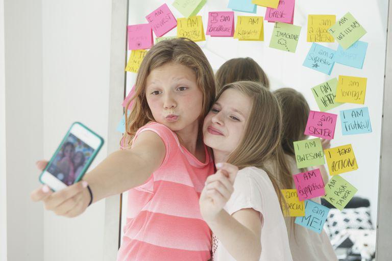 Consideraciones al adquirir un celular para tu hijo