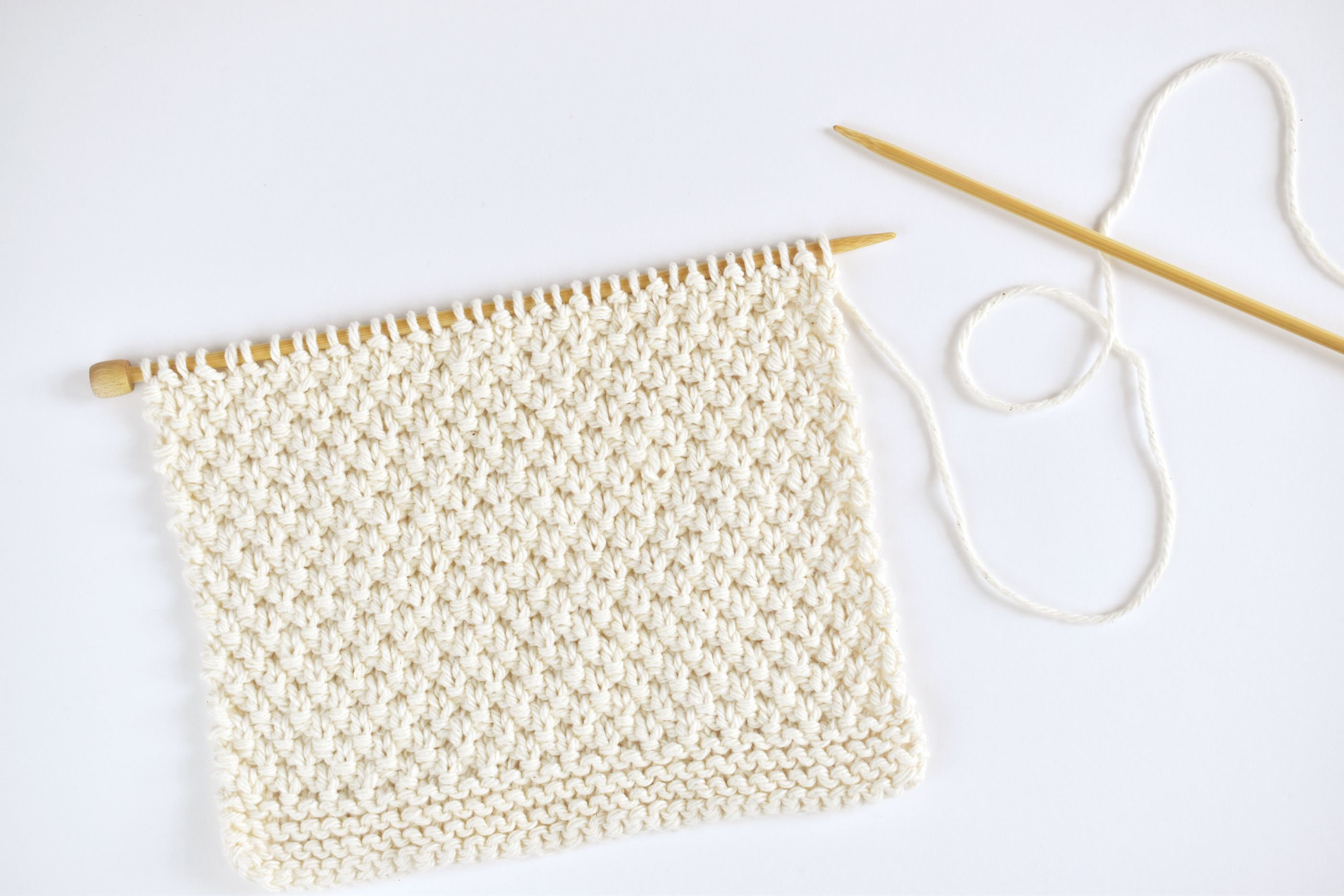 Free Moss Stitch Dishcloth Knitting Pattern