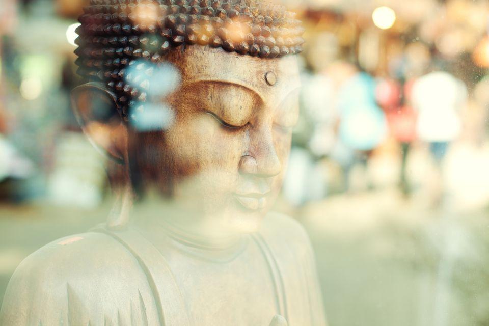 Close-up of a Buddha statue (Sri Lanka)