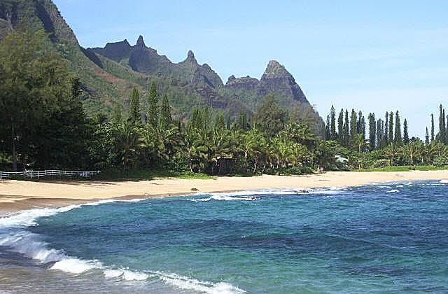 Kauai, North Coast. Photo © Teresa Plowright.