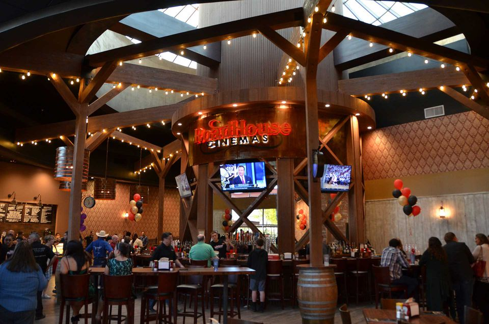 phoenix and scottsdale dinein movie theaters