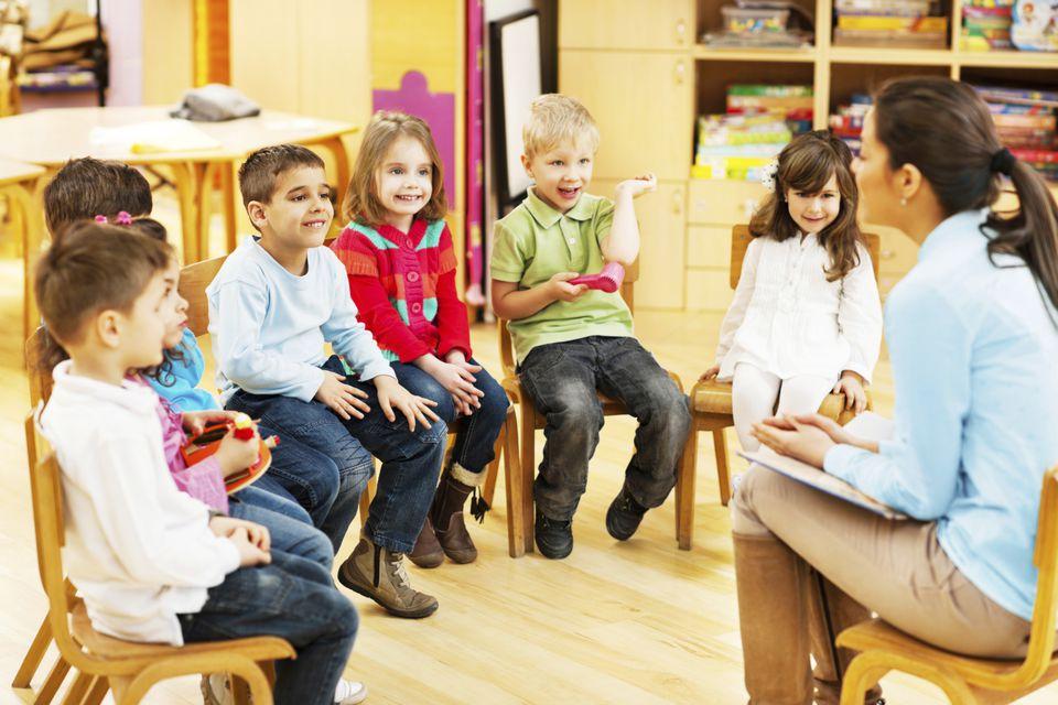 kids in school story time