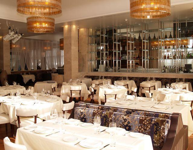 Limani restaurant dining room