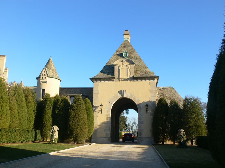 Gateway to Oheka Castle on Long Island, New York
