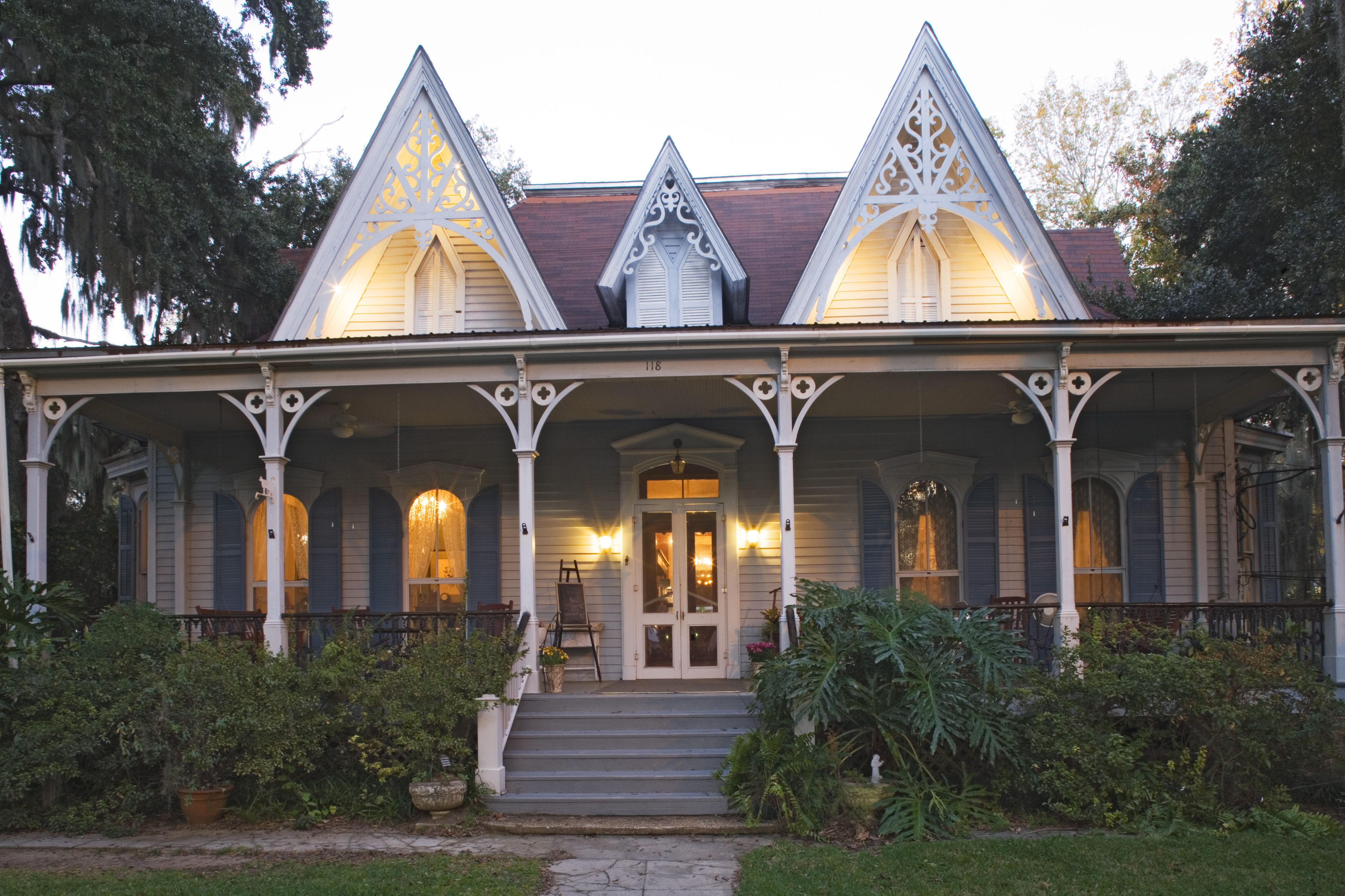 2nd Empire Victorian house (misidentified as Gothic Revival) - 6 Styles of Victorian  Houses
