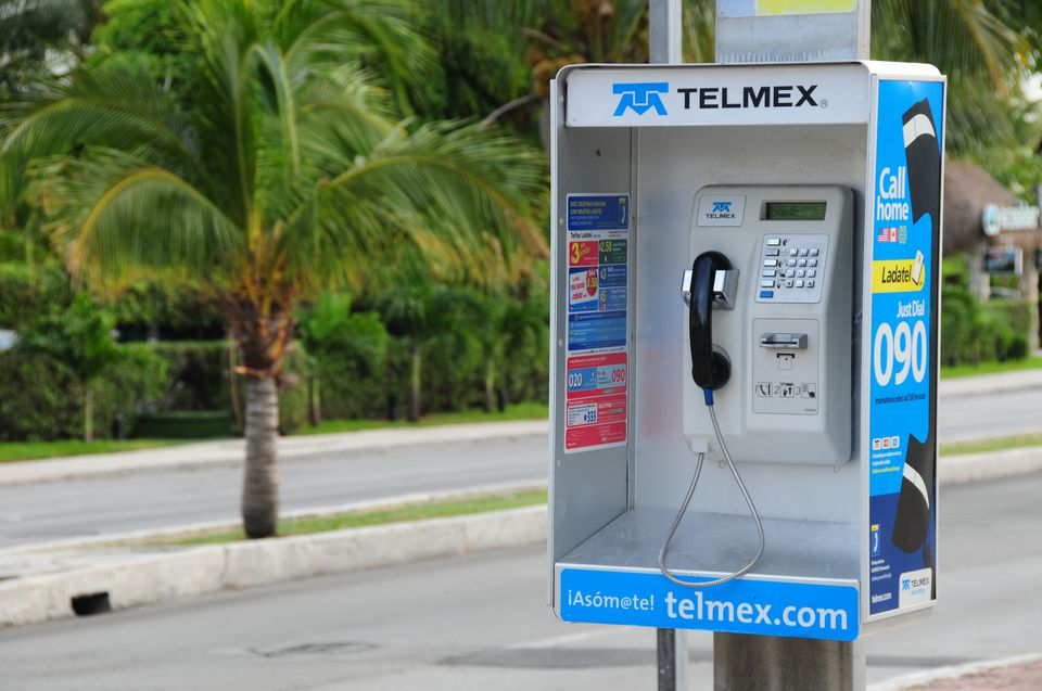Public pay phone in Mexico