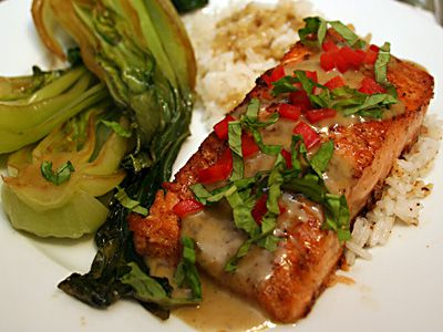 Salmon with curry sauce