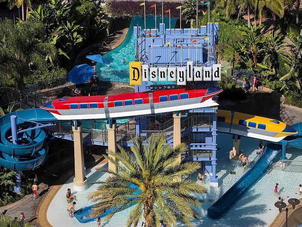 Disneyland Hotel Never Land Pool