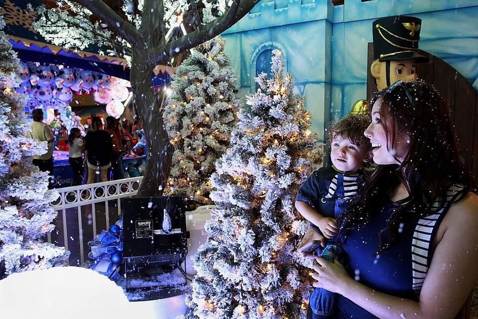 Children Flock To Santa's Magical Kingdom In Sydney
