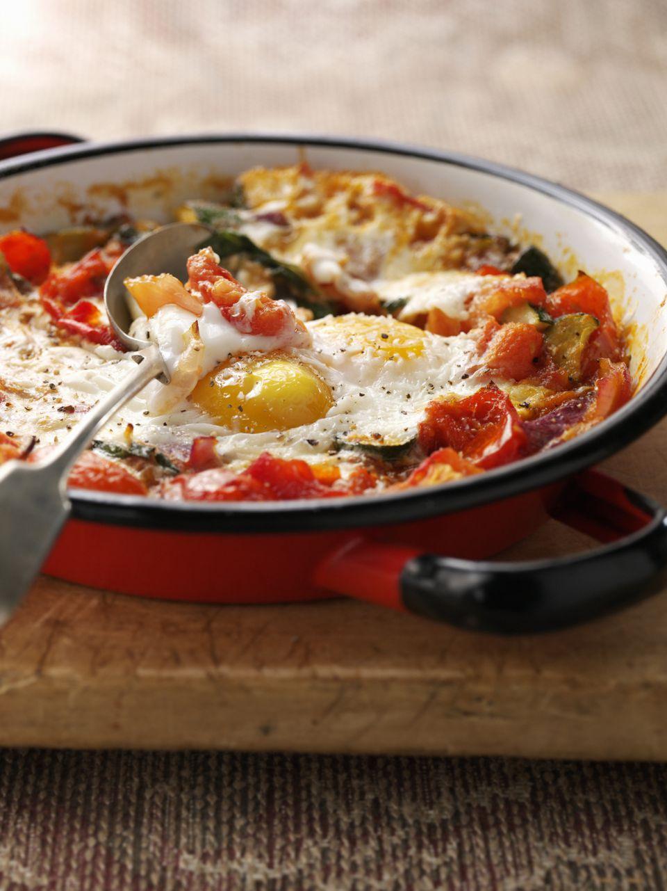Spanish baked eggs recipe: huevos a la flamenca or flamenco eggs