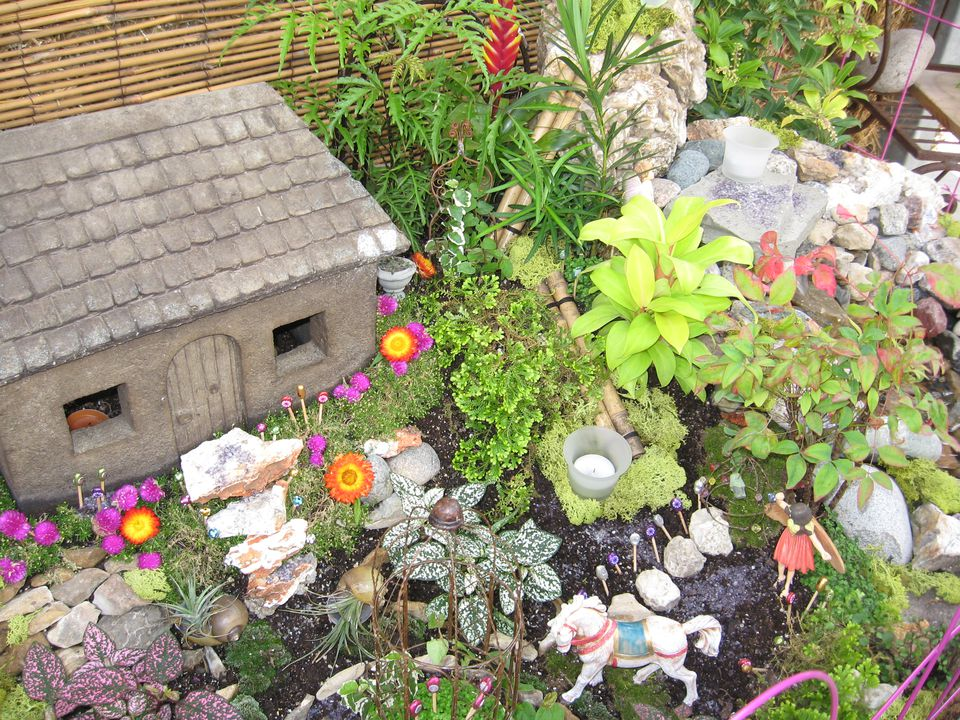 Make your own fairy garden with elves gnomes and more for Create your garden