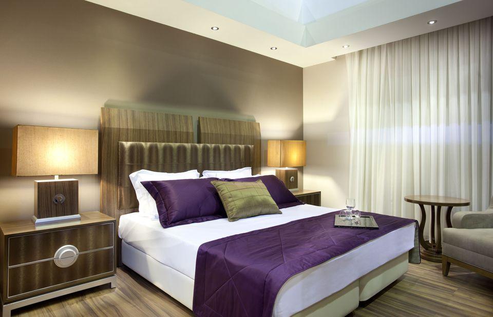 luxury-hotel.jpg