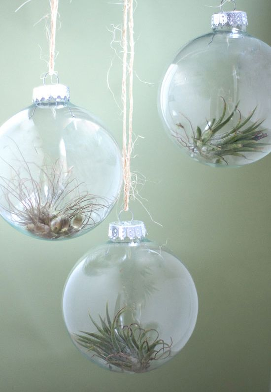 10 ways to fill a clear glass christmas ornament how to diy clear glass ornaments solutioingenieria Image collections