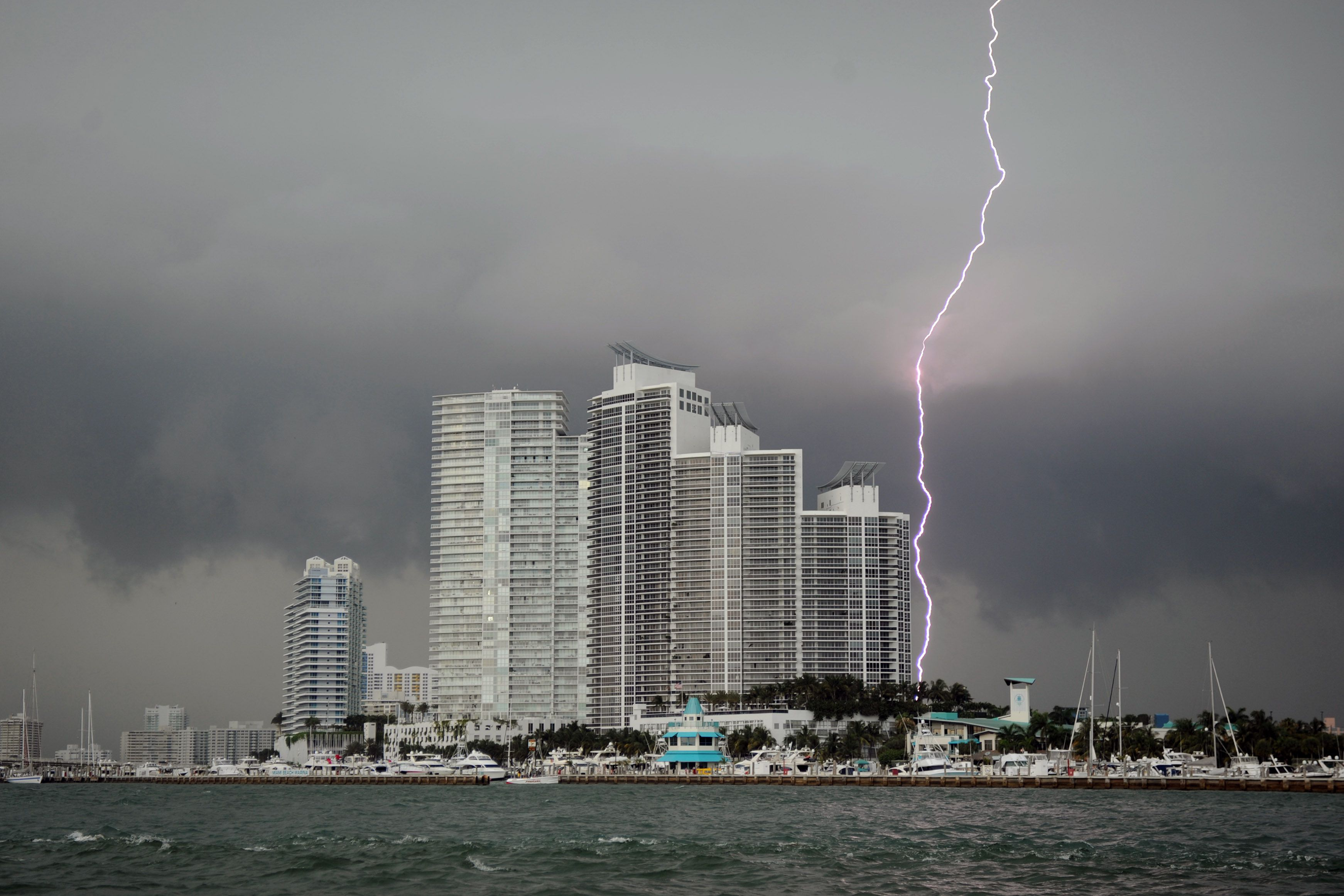 Cruises From Miami >> How to Stay Safe in a Florida Lightening Storm