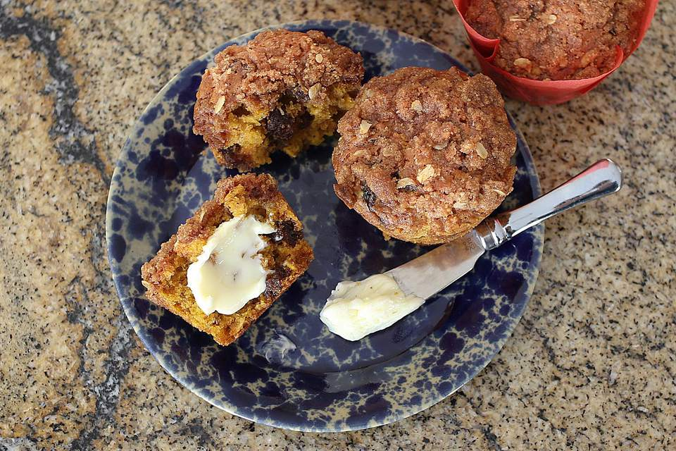 Pumpkin Oat Muffins with Dates
