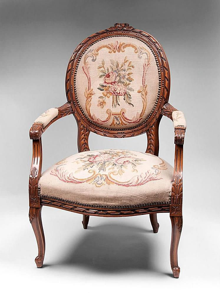Fauteuil Chair Style - Upholstered Antique Chair Styles