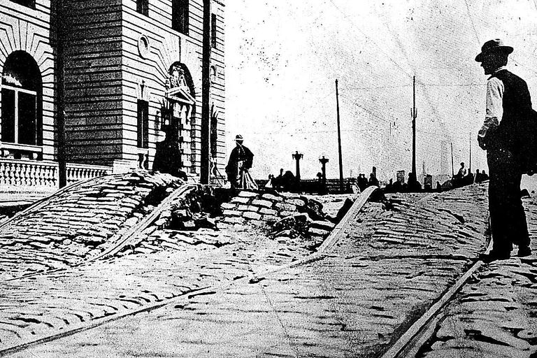 19 May 1906 The road outside the main post office in San Francisco, which has been ripped up by the force of an earthquake.