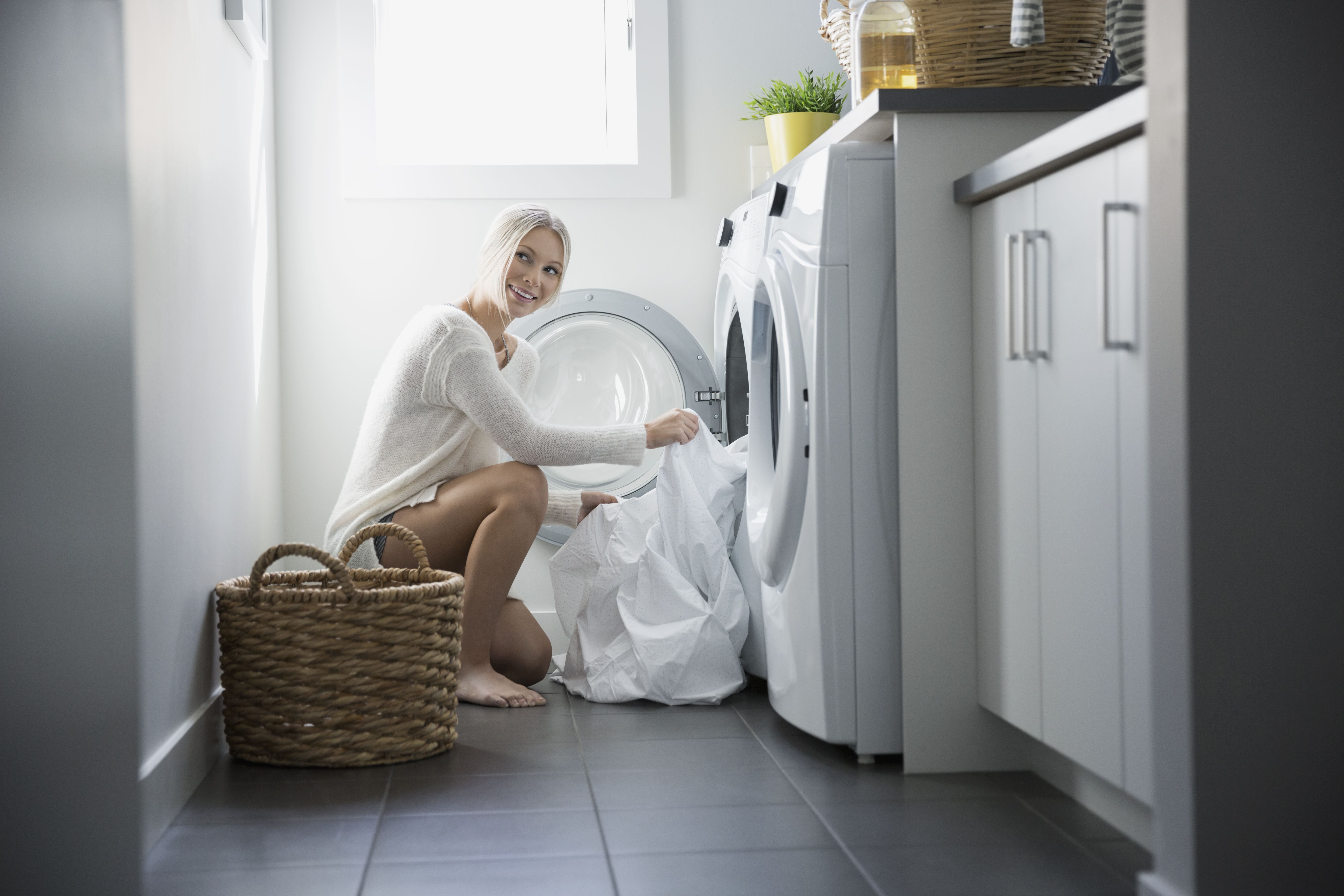 How to do laundry in 10 easy steps the 8 best supplies for doing the laundry in 2018 solutioingenieria Image collections