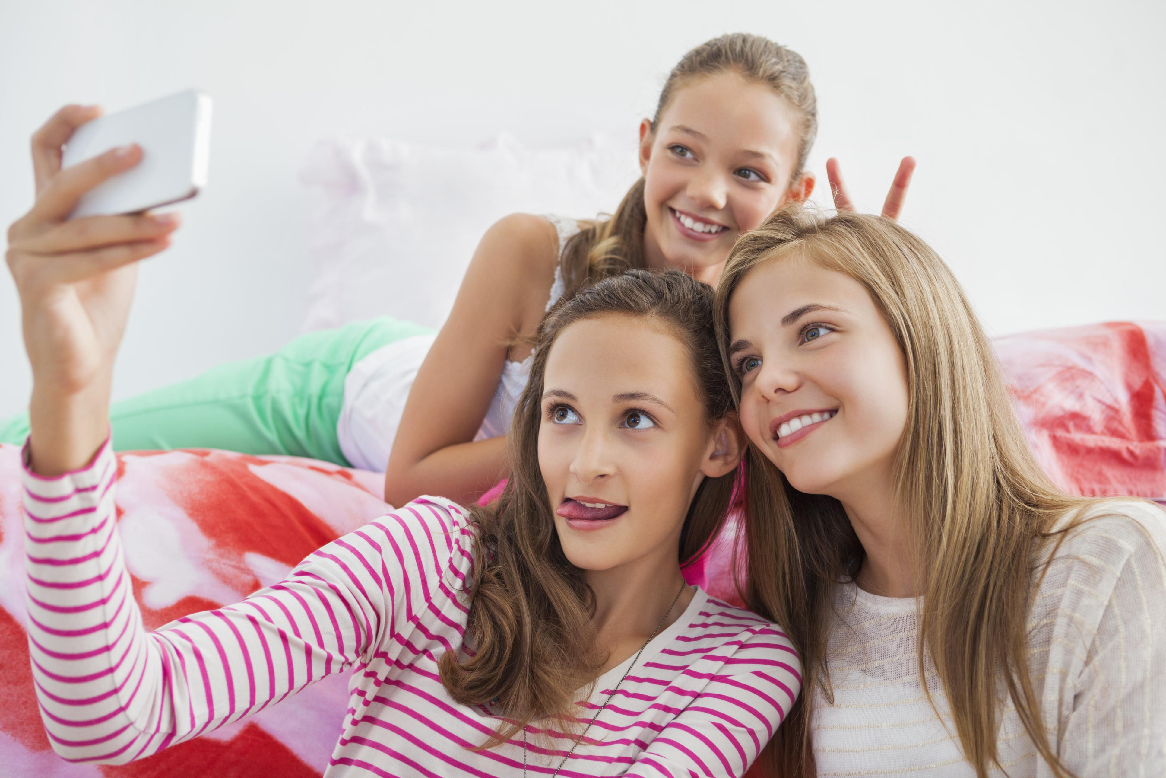 How To Help Your Child Make Friends And Be A Good Friend-8276