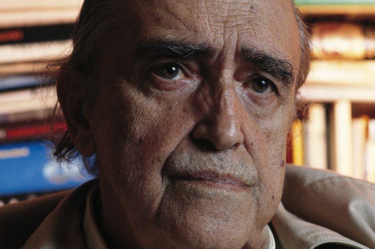 Close-up photo of Brazilian Architect Oscar Niemeyer