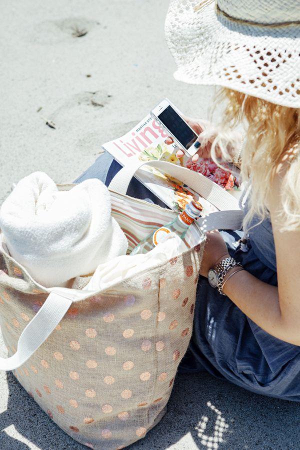 DIY Burlap Beach Bag