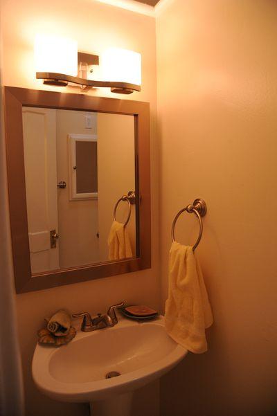 Ada construction guidelines for accessible bathrooms - Ada bathroom mirror requirements ...