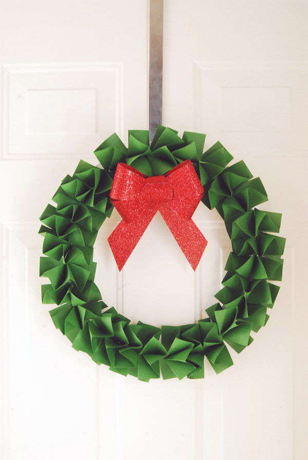 DIY Paper Holiday Wreath
