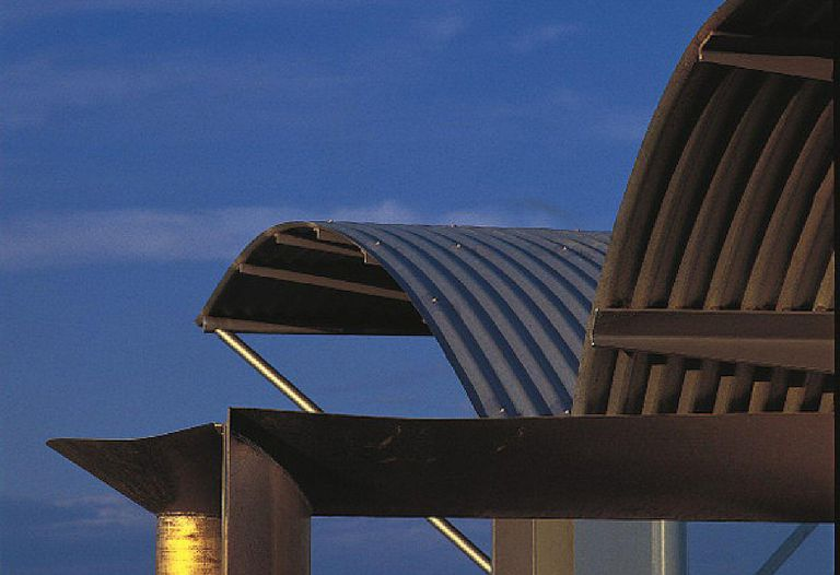 Curved, waves of roofing on the Magney House in New South Wales, Australia, by Glenn Murcutt
