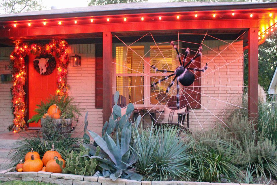 Giant-Spider-Porch