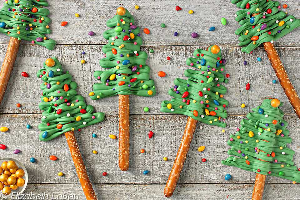 Christmas Tree Pretzel Rods