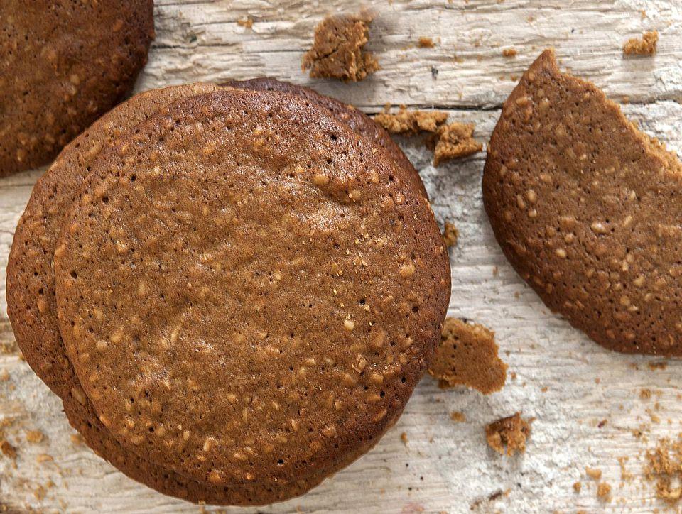 Yorkshire-Parkin-Biscuits